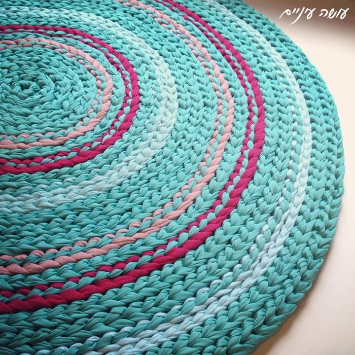 עושה עיניים - שטיח מחוטי טריקו || OsaEinaim - T-shirt yarn rug
